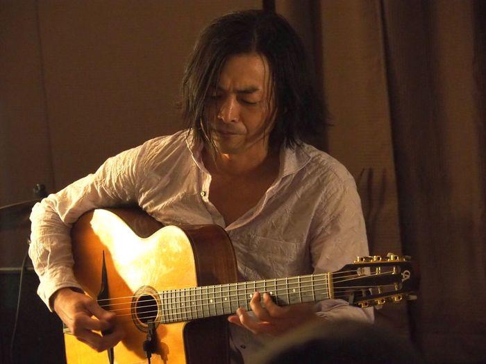 Kobe Japan ASIA Theaterjazzy Natsuki Morikawa Jazz Live Guitar Tomoki Inoue Music Playing Indoors  Musician Performance Night Olympus PEN-F 神戸 元町 森川七月 井上知樹