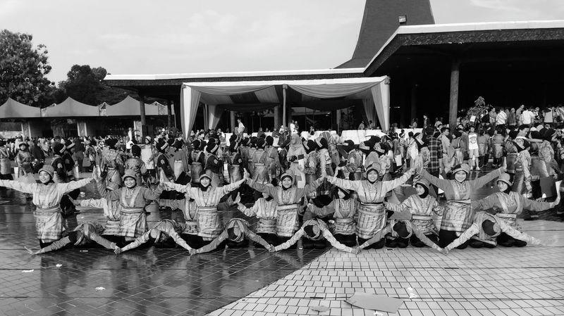 Dance of Saman. 6600 saman dancer. Indonesian That's Me Hi! Hello World Welcome To Black