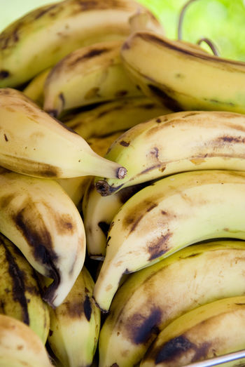 Food Wellbeing Freshness Healthy Eating Fruit Close-up Banana For Sale Market Still Life Retail  Backgrounds No People Full Frame Raw Food Large Group Of Objects Abundance Retail Display Bananas Yellow Healthy