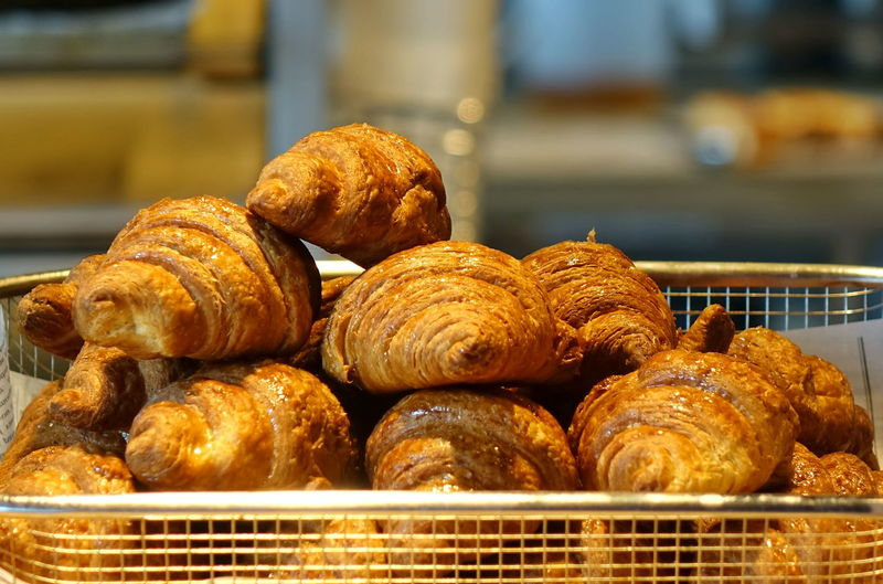 Fresh croissants in a tray Baked Croissant Bread Freshness French Food Brown Basket Bun Snack Ready-to-eat Bakery Oven Fresh Delicious Food
