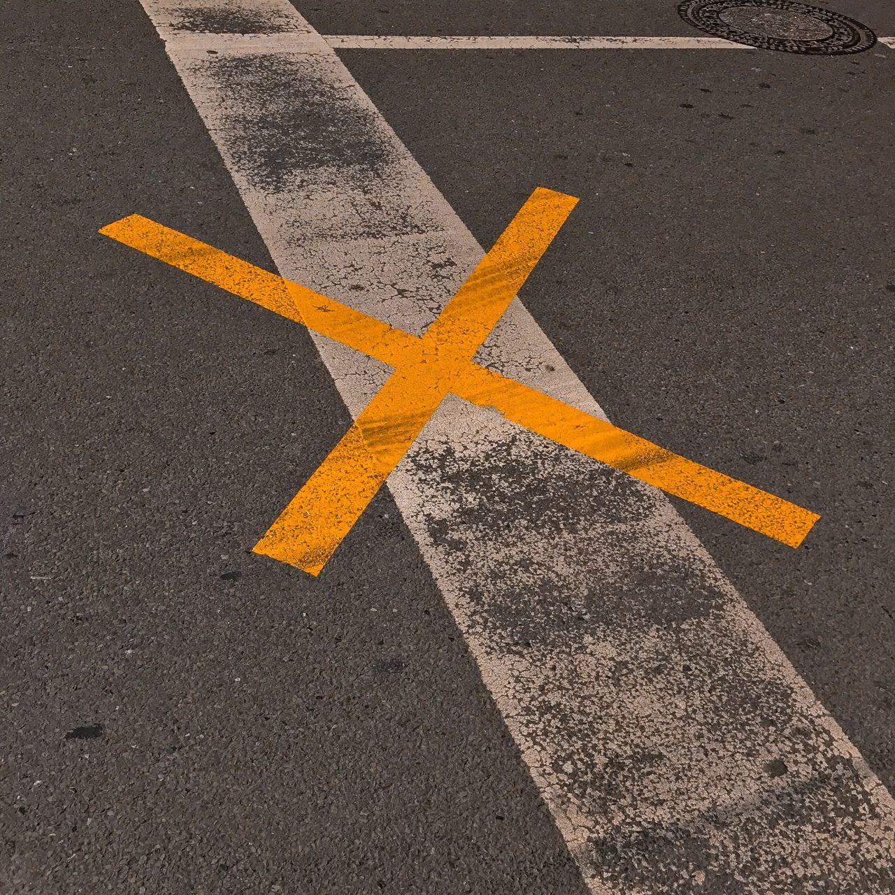 road marking, road, transportation, yellow, asphalt, street, guidance, no people, communication, road sign, outdoors, day, city