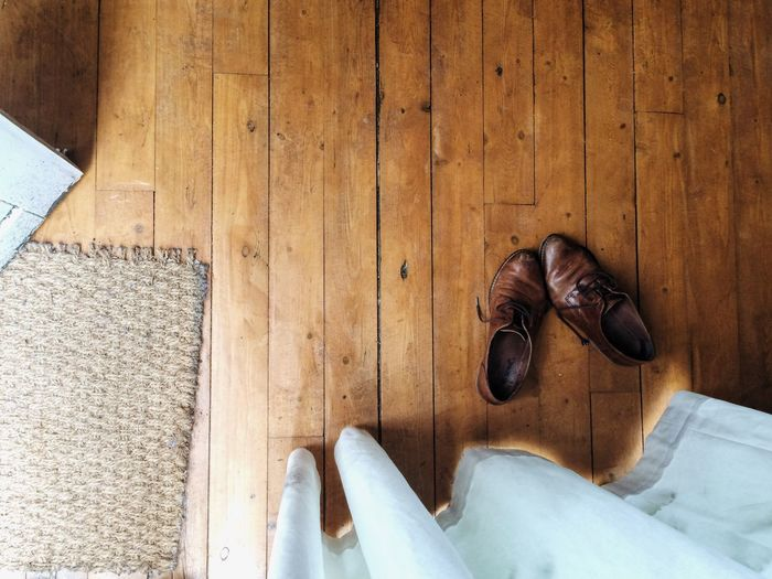Interior Shoes Still Life StillLifePhotography Still Life Photography Curtain Sunshine Natural Light Natural Lighting Lines Wooden Floor Wooden Texture House Living Living Space Living Room No Place Like Home Home Sweet Home Daily Life Home Is Where The Art Is