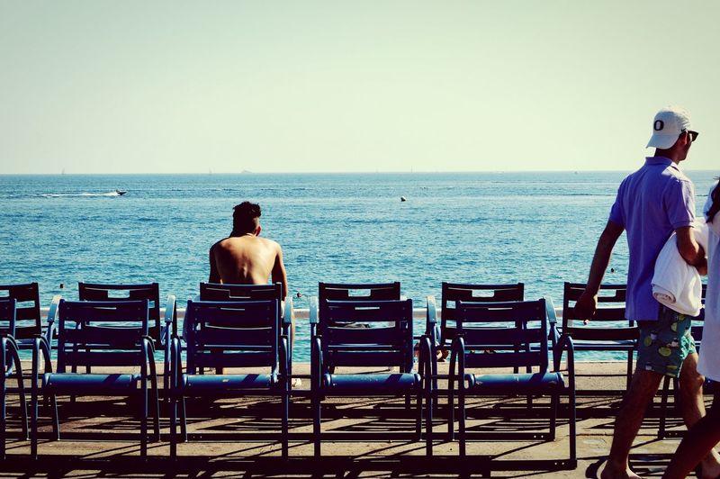 Pensées Sur La Plage / On The Beach Contemplating Life - Eyeembridesmaid