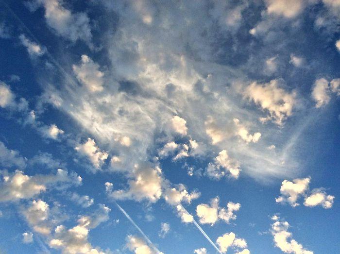 Urban 4 filter. Backgrounds Blue Vibrant Color Cloud - Sky Wispy Fluffy The Great Outdoors - 2018 EyeEm Awards The Still Life Photographer - 2018 EyeEm Awards EyeEmNewHere