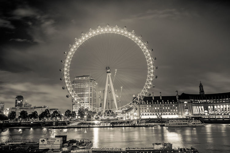 london eye! London Eye Amusement Park Amusement Park Ride Architecture Arts Culture And Entertainment Building Exterior Built Structure City Cloud - Sky Fairground Ferris Wheel Illuminated Nature Night No People Outdoors River Sky Travel Travel Destinations Water Waterfront The Architect - 2018 EyeEm Awards