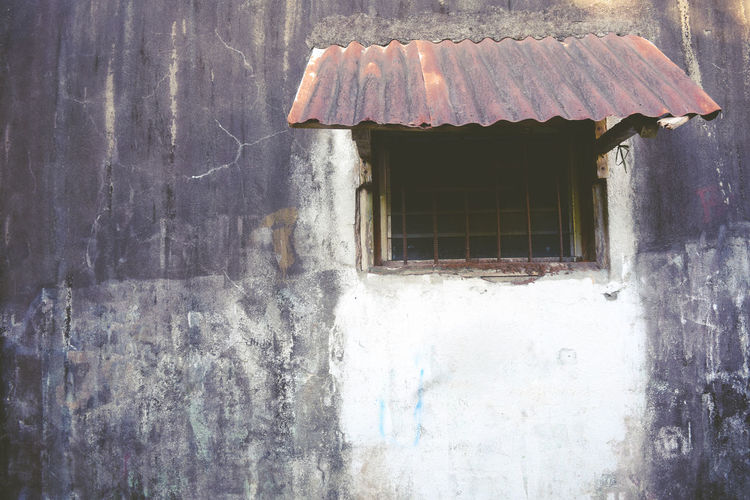Alone Architecture Building Exterior Built Structure Close-up Closed Window  Day EyeEm Gallery Eyeem Market Eyeem Philippines Lonely No People Outdoors Silent Thug Window The Secret Spaces Live For The Story Place Of Heart