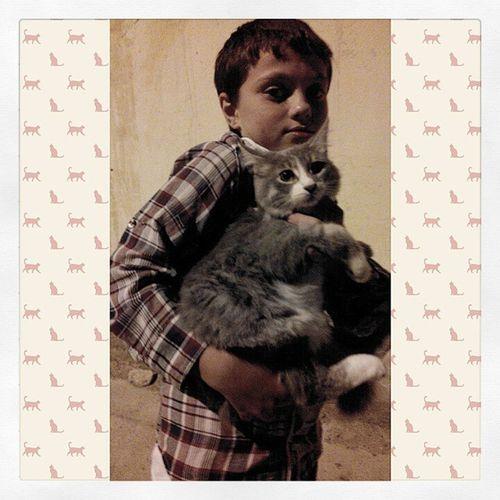 Случайная фотка...шёл по улице увидел мальчика,который кошку выгуливает...Это прекрасно,если ваши дети любят животных и вы им в этом помогаете.Пусть будет меньше живодеров и злых людей. Cat Cats Tagsforlikes Catsagram catstagram instagood kitten kitty kittens pet pets animal animals petstagram petsagram photooftheday catsofinstagram ilovemycat instagramcats nature catoftheday lovecats furry sleeping lovekittens adorable catlover instacat