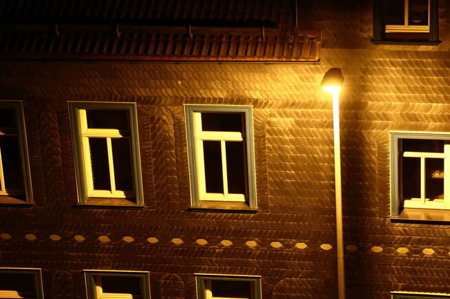 Lumercasamul Architecture Beleuchtung Fenster Haus House Illuminated Lantern Laterne Licht Light Lightning Night Orange Schatten Shadow Window