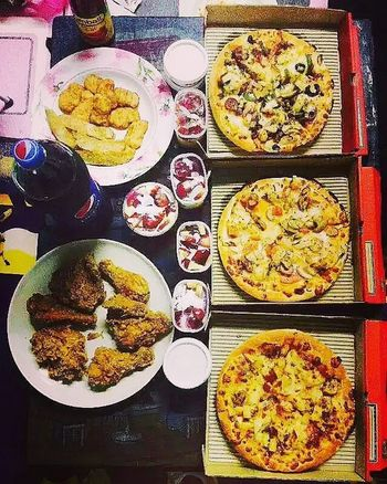 This is how we celebrate. Pizzaa Party. Tried this with my selfie stick. Ordered a lot more than we can have. @niha0107 dont ask for a party now Friend Friendship Food Pizzahut Chicken Brothers Instadaily Instagood Instalike Igers Donewithallthis Greatlife Instagramer Weekendfun Happy Greatday Greatplace Like Instalike Likeforlike Mexicanbullet Tagsforlikes Followme Punediaries Soiwalks fillsmyheartwithhappiness followforfollow masti goodlooks goodmood bas