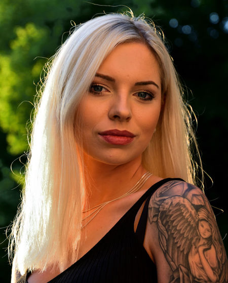 Tattooed Tattoed Girl  Tattoo Tattoo ❤ Golden Hour Fashion Outdoor Photography Portrait Photography Bokeh Photography Lightplay Blond Hair Young Women Portrait Beautiful Woman Beauty Beautiful People Looking At Camera Headshot Females Long Hair The Portraitist - 2019 EyeEm Awards