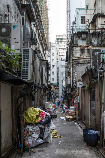 #Hong Kong #hongkong #street #streetphotography #urban #urban Scene #urbanexploration  #urbanphotography The Week On EyeEm Alley Architecture Building Exterior Built Structure City Day Garbage No People Outdoors Residential Building The Way Forward