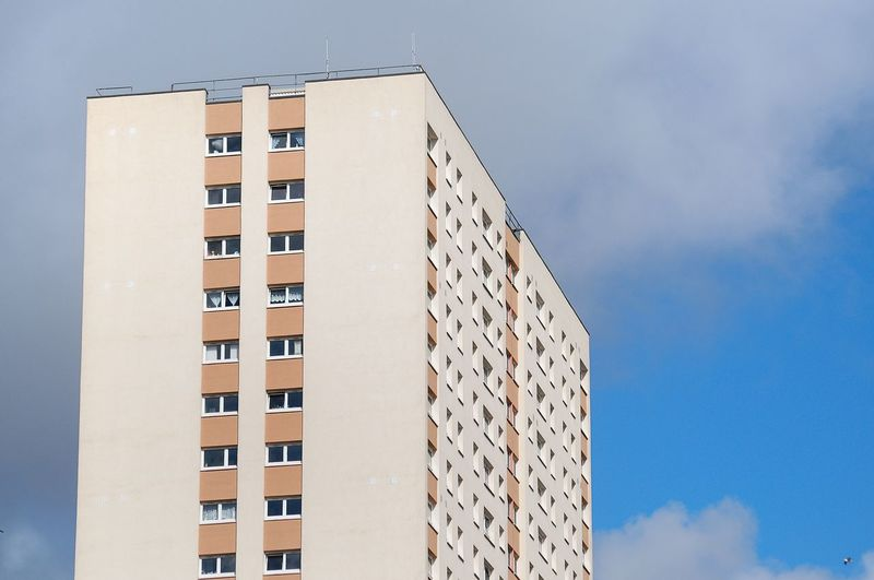 GLASGOW CITY Glasgow  High Rise Apartment Apartment Architecture Building Building Exterior Built Structure City Cloud - Sky Day Low Angle View Modern Nature No People Office Outdoors Residential District Sky Sunlight Tall - High Tower Window