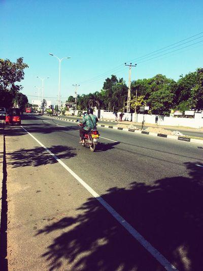 Taking Photos Streetphotography On The Road SriLanka Gud Morning!