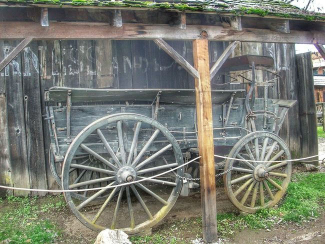 This old wagon...found in a small town called Columbia. California Goldmining Abandoned Wagon  Wagonwheel Columbia