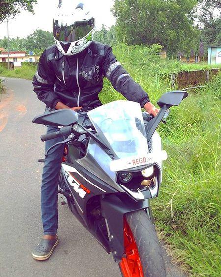 Ride hard or die😎✌ Safetyfirst Ktmrc200