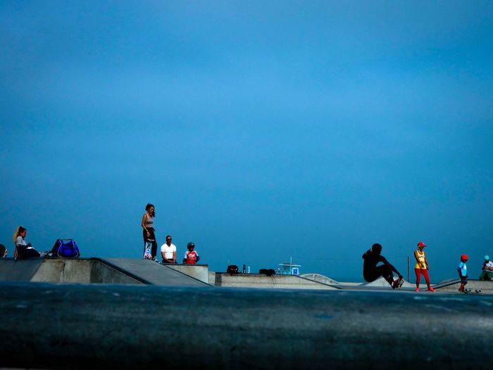 Sommergefühle Real People Leisure Activity Lifestyles Large Group Of People Blue Men Copy Space Women Sky Clear Sky Outdoors Vacations Day Nature Water People Adult Beach Sky And Clouds EyeEm Selects