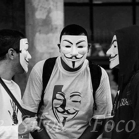 We are all Anonymous!!! . Foto: Ale Silva - Foco Fixo © @alesilva_rj_br Photooftheday Photo Art Everydayusa Streetphotography UrbanART Composition Everydaybrasil Capture Instalike Moment Instafollow Followme Everydaylatinoameria Instacool Love Canon 70d Follow4follow Instago Rioeuamoeucuido Rio450 Rio2016 Insta_bw Instapic insta_pic_bw monochrome monotone monoart bnw