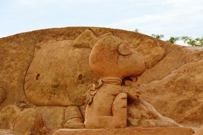 Fantasy No People Imagination Sculpture Sand Sculpture Sand Sculptures Sand Sculpture Park Sand Snoopie Hello Kitty