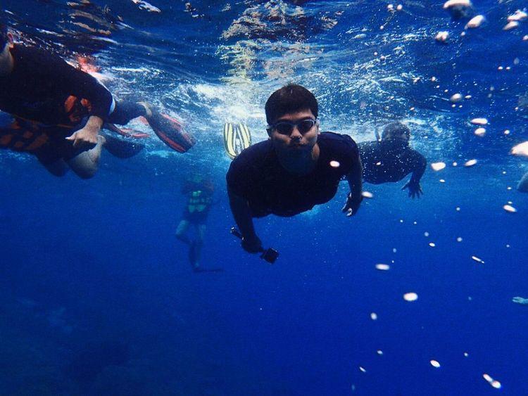 UnderSea Scuba Diving Swimming Water Sea Life Underwater Adventure Men Sea Exploration