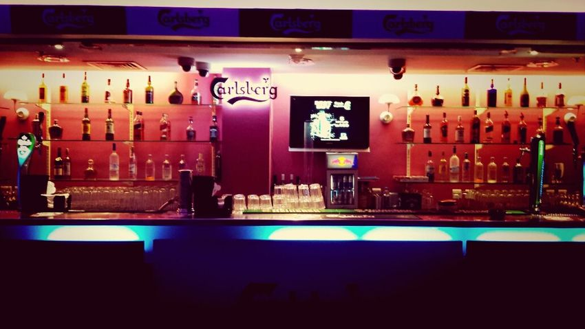 Glass Drinks Looking For Trouble Hello World Carlsberg Qatar