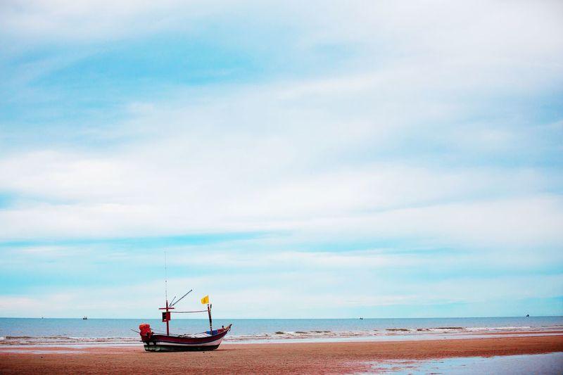 Boad Boad On The Coast Sea Sea And Sky Sea Sky And Coast Sea Sky Beach Sea Sky And Beach