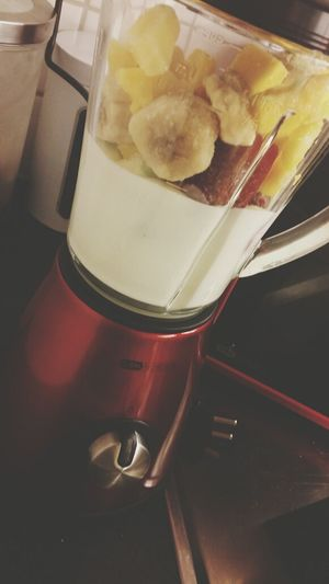 Night Smoothies after a good working day ♡. Smoothie Strawberry Pineapple Banana