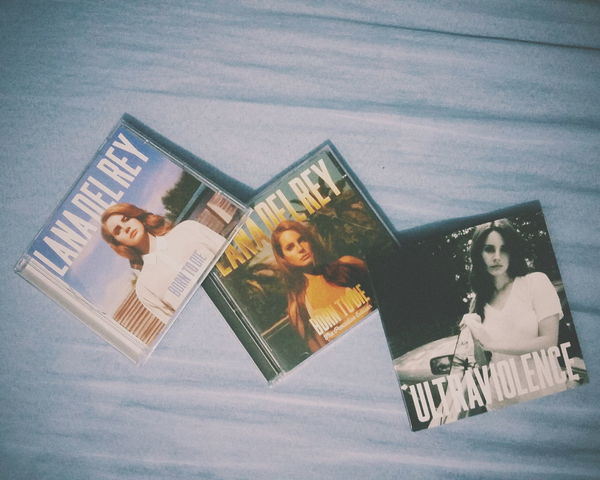 Lana Del Rey Born To Die  The Paradise Edition ULTRAVIOLENCE