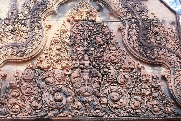Art And Craft Architecture Craft Built Structure No People History Creativity The Past Building Exterior Religion Pattern Carving - Craft Product Day Building Belief Design Ornate Representation Spirituality Place Of Worship Floral Pattern Carving Bas Relief Architecture And Art