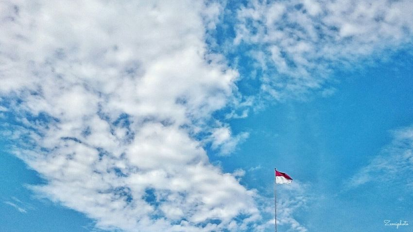 Aerial Shot flag in the sky INDONESIA Cloud Clouds And Sky Sky Flag Landscape Smartphonephotography Xperiaphotography Zemiphoto