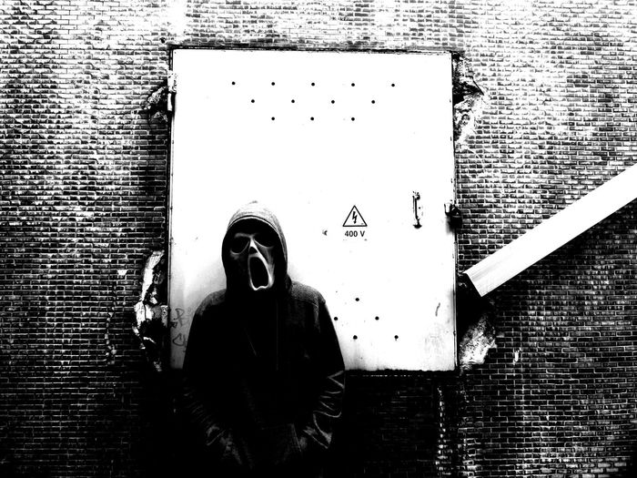 Scream Mask Dark Death Darkness Blackandwhite Gloomy Underground Street Streetphotography Danger Dangerous Photography Darkart