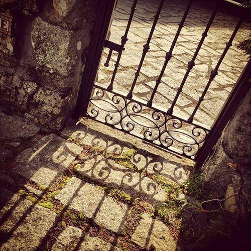 Sol #sun #sol #reflejo #reflex #rejas #door #puerta #piedra #igscout #_wg #instapic #instagramer #insta_crew #instamillion #tagstagramers #instago #tagsforlikes #photooftheday #instagroove #igersmadrid #picoftheday #iphonesia #latergram Insta_crew Igscout Streetphotography Tagsforlikes Sun Instagramer Door _wg Instagroove Sol Instapic Reflex Instamillion Photooftheday Tagstagramers Reflejo Piedra Iphonesia Picoftheday Puerta Latergram Rejas Igersmadrid Instago