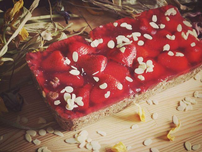 Red Wood - Material Italian Food Close-up Food And Drink Slice Of Cake Cheesecake Fruitcake Cake Dessert Sponge Cake Cakestand Birthday Cake Prepared Food Sweet Food Tart - Dessert Grated Pie Served