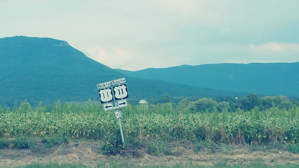 First Eyeem Photo SignSignEverywhereASign Countryroadstakemehome Shenandoah Valley - Virginia Shenandoah Shenandoahvalley ShenandoahCaverns Blueridgemountains Landscapes Landscapes With WhiteWall Blue Wave