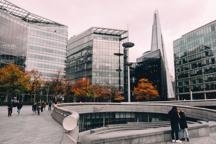 Streetphotography Peope Autumn Architecture Outdoors Sky Dusk London