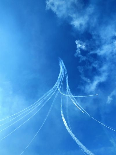 Italian Tricolor Arrows Tricolor Arrows Aerobatics Air Vehicle Airplane Airshow Blue Cloud - Sky Day Flying Low Angle View Mode Of Transportation Motion Nature No People on the move Outdoors Sky Smoke - Physical Structure Speed Transportation Vapor Trail