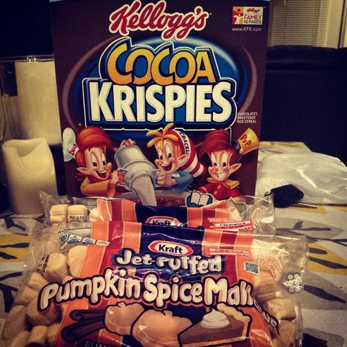 I can already taste this which shall be Awesome Cocoakrispies Pumpkinspice Marshmallows Ricekrispytreats Beautifulcouple ItsAboutToGoDOWN Kraft Kelloggs Clearance Target Holidays