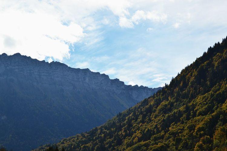 La Haute-Savoie, pays de l'alpage et du Reblochon ! 🐮Protecting Where We Play Travel Nature Landscape Clouds And Sky Summer Mountains Mountain View Homesick  Layover