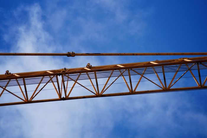 Building Crane Clouds And Sky Blue Sky Interesting Pictures Architectural Detail Eye4photography  Enjoying The Veiw  EyeEm Best Edits Nice Atmosphere Architektur