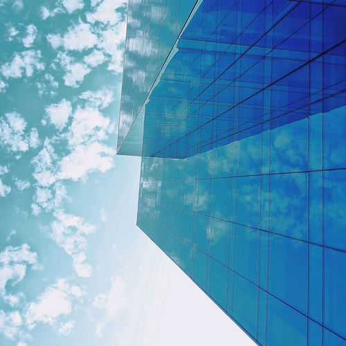 Spotted some clouds. VSCO No People Limaperu Modern Blue Backgrounds Pattern Water Full Frame Abstract Textured  Sky Close-up Office Building Tall - High Turquoise Colored Skyscraper Cityscape