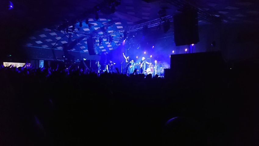Gomez barrowlands Glasgow Nightclub Concert Stage Entertainment Occupation Modern Rock Pop Rock Electric Guitar Guitarist Rock Music Music Festival Stage Light Rock Group Music Concert Festival Goer Pop Music Rock Musician
