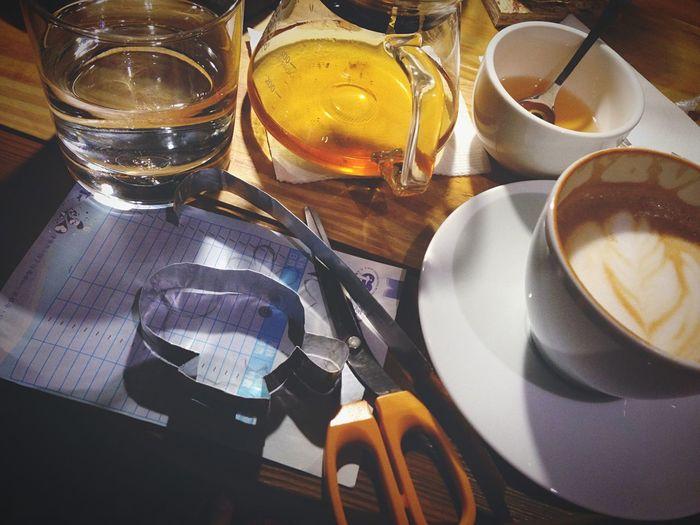 獲得咖啡一杯,努力完成工作 Handmade Coffee Enjoying Life OpenEdit Coffee Time Homemade First Eyeem Photo Relaxing Landscape Cafe