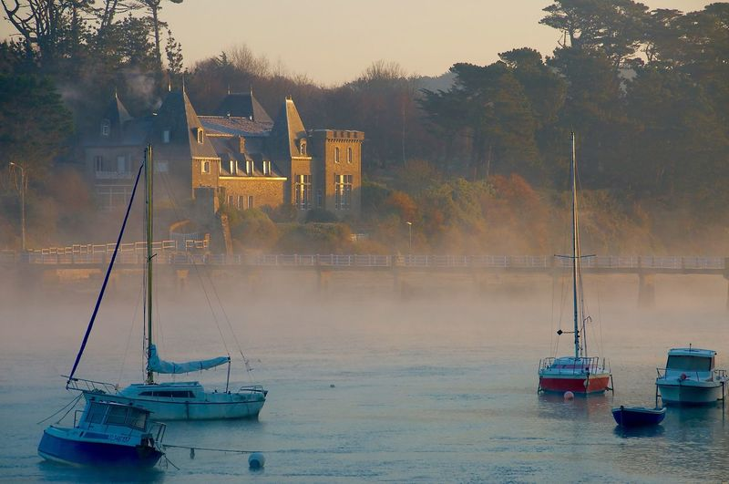 Misty morning Architecture Boat Bridge Britain Castel Brittany Building Exterior Castel Foggy Day Foggy Morning House Le Conquet Manoir Breton Mist Misty Morning Nautical Vessel Outdoors Reflection Tourism Vacation Water Waterfront J'adore Ce Petit Port Charmant De Bretagne The Great Outdoors - 2016 EyeEm Awards