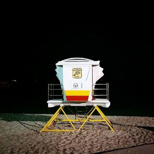 Lifesavers' booth. Perth Cottesloe Lifesaver Booth Cottesloeslsc будка спасатели Перт Chemodiver