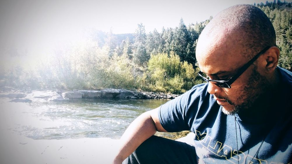 Stream Relaxing Chilling Portrait African American Naturelovers Water Eyeglasses  Portrait Sky Close-up Thoughtful Calm