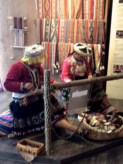 Peru travel Colorful Cultures Day Handmade Hecho De Mano Lifestyles Perspectives Peru Vibrant Weavers Women