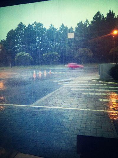 Hoje foi assim muita chuva.