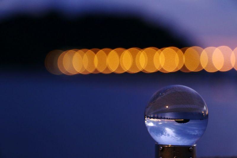 またまた水晶🔮に閉じ込めてしまいました……(*^^*) EyeEm Best Shots EyeEm Gallery ファインダー越しの私の世界 写真好きな人と繋がりたい 写真撮ってる人と繋がりたい Canon EOS 70D Canon 70d Enjoying Life Close-up 水晶 Reflection Electric Light 玉ボケ