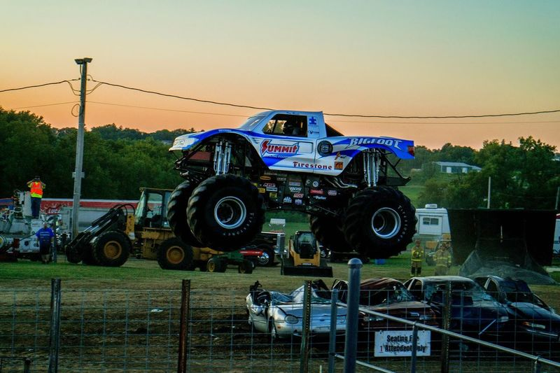 Bigfoot Monster Trucks Awesome Action