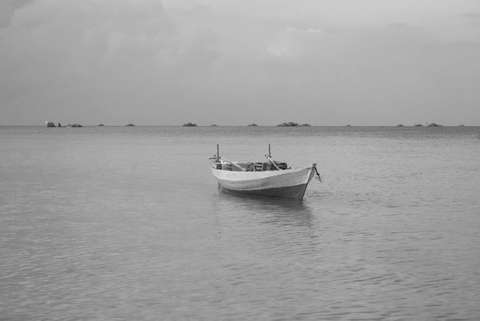 Stay Relaxing Enjoying Life Hanging Out Hello World Blackandwhite Bintan  Nature No People Mode Of Transport Art Bintan Island Trikorabeach Bintanisland Idyllic Blackandwhite Photography Kepulauanriau Seascape Outdoor Photography Traveling Nautical Vessel Boat Scenics Ocean Wonderfulkepri  Traditional Fishing Boat