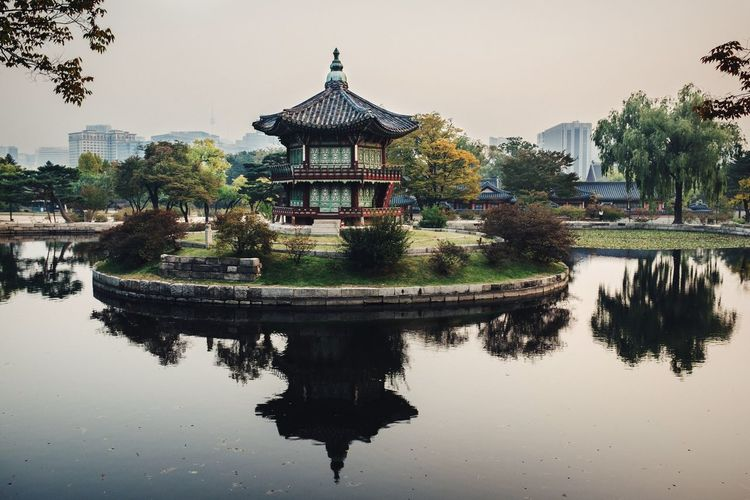 Garden with a pond Open Edit EyeEm Best Edits Seoul Korea Pond Water Reflections Water Reflection Palace Urban Landscape Cityscapes Cityscape City Capital Cities  Calm Spirituality Nature Famous Place Seeing The Sights Showcase: November Pavilion Asian Culture Architecture Built Structure Garden
